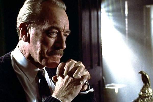 Max Von Sydow como Leland Gaunt en la pelicula de La Tienda